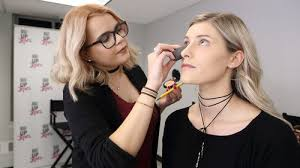 chicago makeup classes certificate courses make up school of makeup artistry