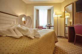 King Size Bed Hotel Rooms U2013 Central Plaza Hotel