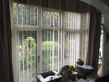 Hillarys Blinds Chesterfield Bay Window Blinds Wood Venetian Blinds In Chalk Colour Ed To A 5