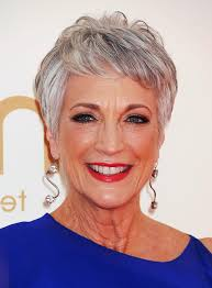 short wavy hairstyles women over 60