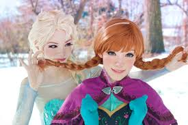 sisters getting along frozen cosplay by the yuurisan twins
