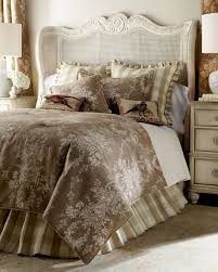 Designer Bedspreads And Comforters Best 25 Toile Bedding Ideas On Pinterest Country Bedroom Blue