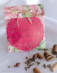 scented paper sachets easy inexpensive diy gifts to