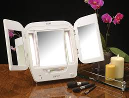 Makeup Lighted Mirror Amazon Com Jerdon Lighted Makeup Mirror With 5x Magnification