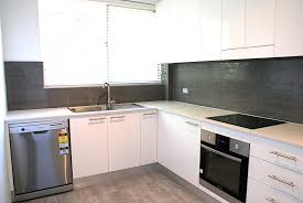 Apartment Kitchen Renovation Ideas by Delighful Apartment Kitchen Decorating Ideas On A Budget D Design