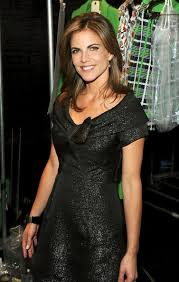 how does natalie morales style her hair nbc s natalie morales at mercedes benz fashion week new york