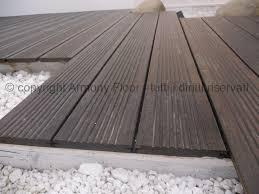 pavimenti in legno x esterni doghe in legno per esterni elementi e dimensioni