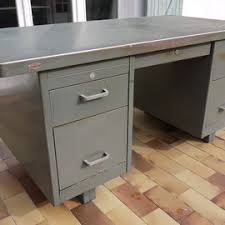 bureau m騁allique industriel bureau industriel président strafor 50 s atelier vintage