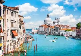 why has italy become one of the most popular vacation spots