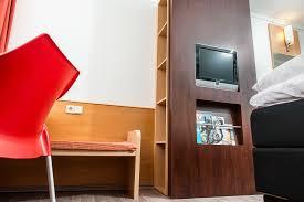 Schreibtisch M El 24 Hotel Kassel Melsungen Gemütliche Hotelzimmer Mit Gratis Wlan