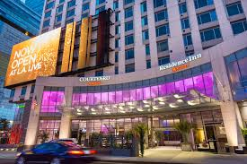 two new stars join hollywood courtyard and residence inn l a