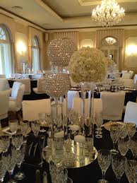 Wedding Centerpieces With Crystals by Best 25 Bling Wedding Centerpieces Ideas On Pinterest
