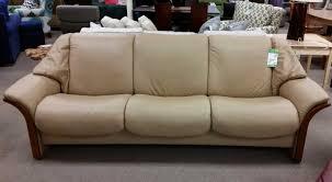 stressless manhattan sofa reviews stressless sofa furniture reviews www cintronbeveragegroup com