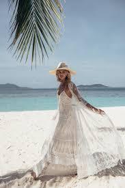 11 beach wedding dresses for your oceanic wedding day