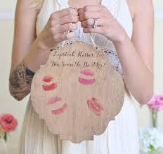 bridal shower gift ideas for guests bachelorette party gifts picmia