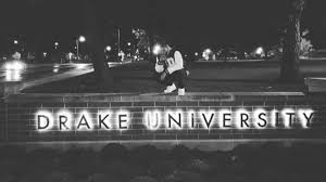 rapper drake house rapper drake makes surprise visit to drake university but only 1