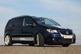 car picker black volkswagen touran
