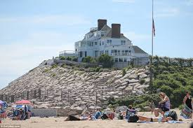 Rhode Island how long does it take mail to travel images Taylor swift sets up a giant slide at her rhode island mansion for jpg