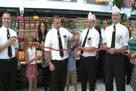 fareway store opens in fort madison