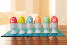 Decorating Eggs Bob And Cortney Novogratz Easter Egg Decorating Ideas