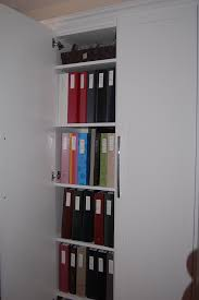 a great idea for organizing storing photos and memorabilia space