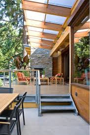 5 creative ways to incorporate glass into your outdoor space