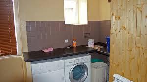peindre carreaux cuisine peindre du carrelage mural peinture meuble cuisine jaune qui