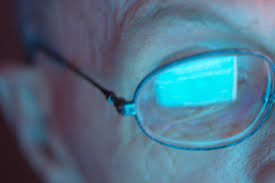 Eyes Are Sensitive To Light Is Your Cell Phone Giving You Headaches Or Blurry Vision