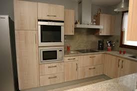 cuisine alu et bois modele cuisine trendy model cuisine moderne modele de cuisine en