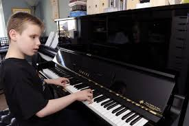 Blind Piano Player Blind Pianist Ethan Loch 10 Is No Stranger To Major Success