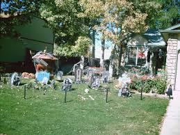 ideas inspirations decorating your yard for halloween outdoor