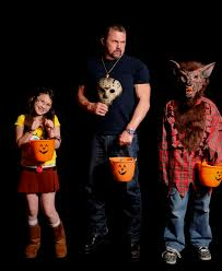 Great Family Halloween Costumes Behind The Scenes With Friday The 13th U0027s Kane Hodder Celebrity