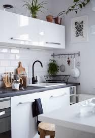 configuration cuisine cuisine salle à manger et salon à aire ouverte chez margo en pologne