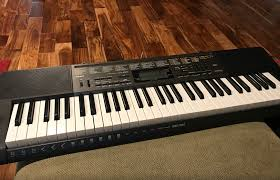 keyboard that lights up to teach you how to play the keyboard that teaches casio s lk 265 keyboard momstart