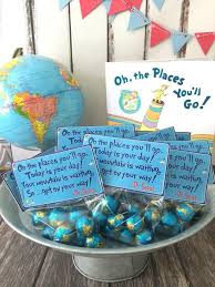easy graduation centerpieces the 17 best images about max grad party on dr seuss