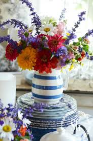 Flower Home Decoration by 40 Easy Floral Arrangement Ideas Creative Diy Flower Arrangements