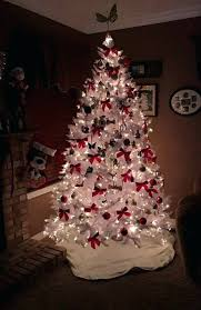 christmas tree with white lights and red bows red and white christmas decorations uebeautymaestro co