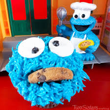 how to make cookie monster cupcakes two sisters crafting