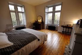 chambre d un suites spacieuse et chambres confortables pour séjour de charme ou