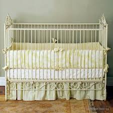 bratt decor casablanca premiere crib in antique white