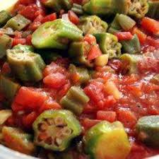 cuisiner des gombos recette ratatouille au gombo et à la tomate toutes les recettes