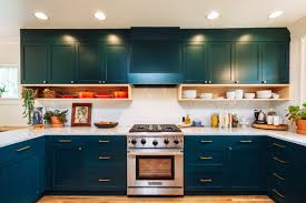 kitchen cabinets contrast colors 26 kitchen paint colors ideas you can easily copy