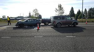 4 car crash on hwy 99 sends driver to hospital kval