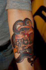 chris brown leg tattoo chris yvon