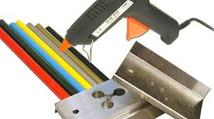 using a glue gun to teach injection molding make