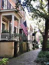 Georgia cheap ways to travel images Best 25 downtown savannah ideas savanna georgia jpg