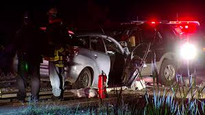 1 killed 2 injured in clermont county crash wkrc