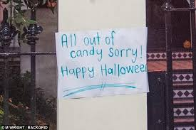 david and victoria beckham run out of halloween sweets daily