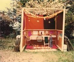 prefab sukkah beit hachatulim builds a temporary shelter