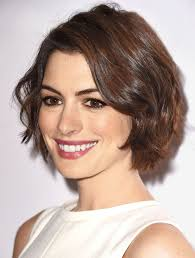 hair cut back shorter than front best 25 anne hathaway haircut ideas on pinterest anne hathaway
